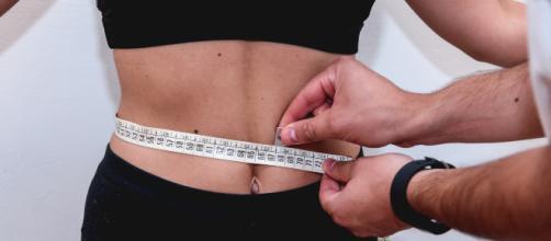 Inghilterra, obesità infantile: in arrivo limitazioni sulle vendite di dolci