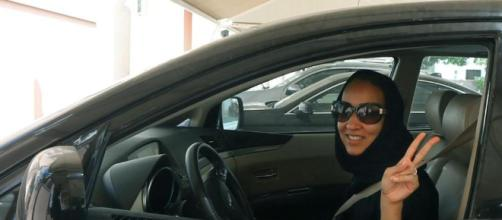 Ora anche le donne possono guidare l'auto in Arabia Saudita