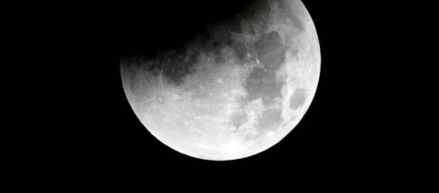 Eclissi di Luna: quando osservarla in Italia   Radio Deejay - deejay.it