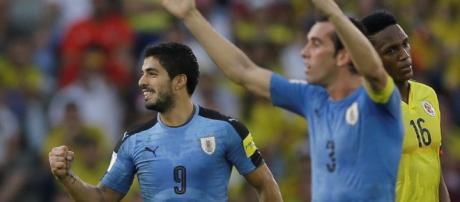 Uruguay vence a Rusia 3 a 0 y se posiciona al frente de la tabla