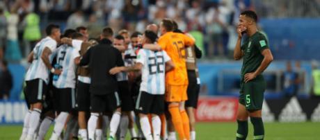 El VAR y Cakir ajustician a Nigeria en victoria 2 a 1 de Argentina