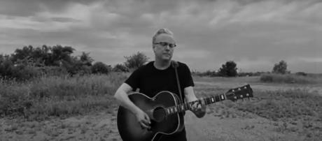 Singer-songwriter dedicates new 'Godspeed' to the cause of children at the border. [Image cap: Radney Foster/YouTube]