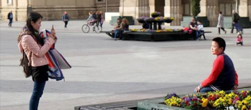 La población en España sigue creciendo gracias a la inmigración