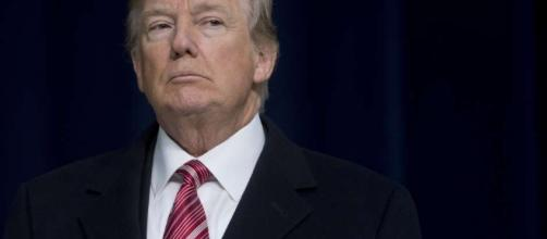Trump envía un mensaje en Twitter solicitando deportaciones sin procesos judiciales