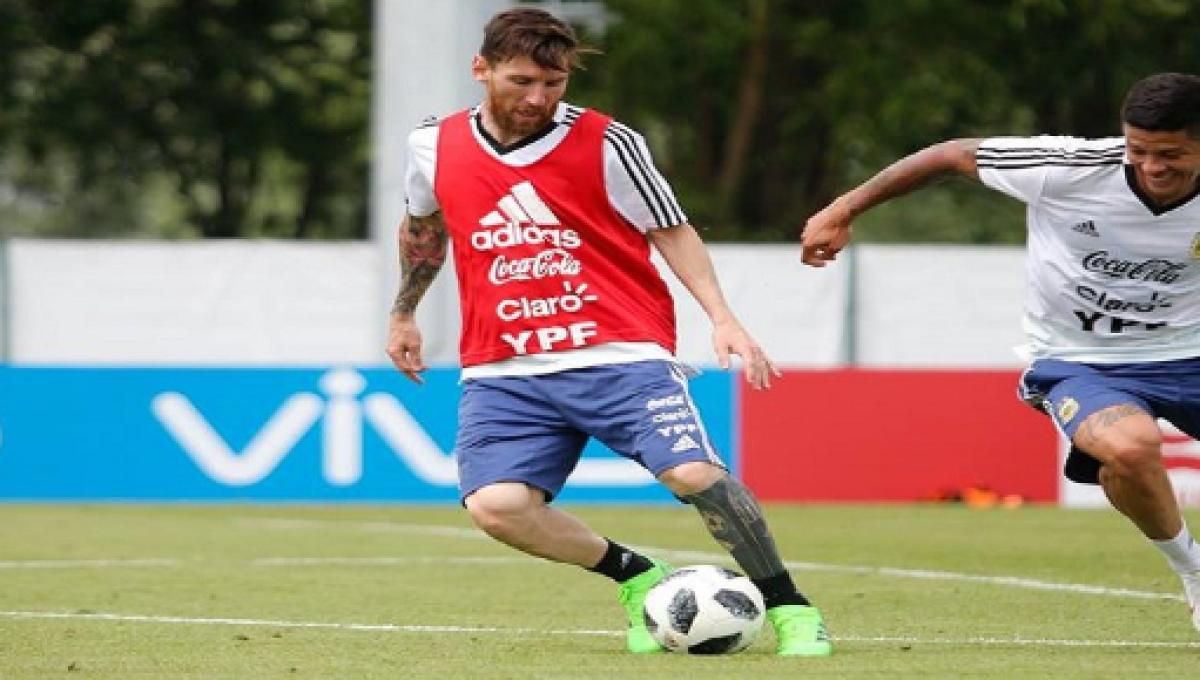 77d8961f37 À espera de um milagre  Argentina enfrenta a Nigéria e sonha com oitavas da  Copa
