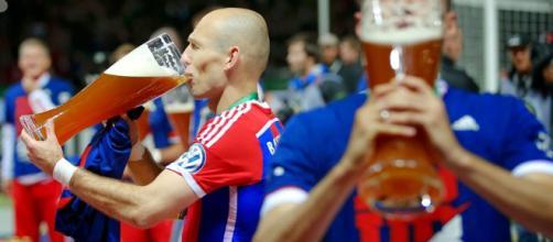 Alcol e sport non vanno molto d'accordo: esperto australiano spiega perché bere alcol dopo l'allenamento sia dannoso