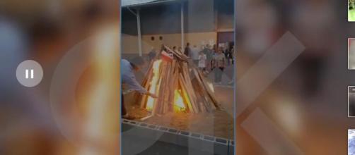 Sergi Vilamala quemó una fotografía del rey en la hoguera de San Juan