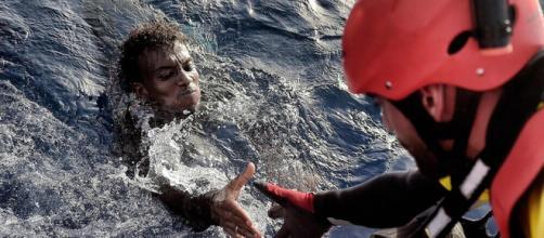 Migranti:il dossier sul business