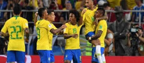 Mundial de fútbol: Brasil consigue su pase a octavos como primeros del grupo E