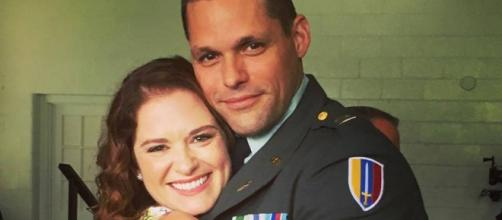 Justin Bruening e Sarah Drew FONTE: Instagram
