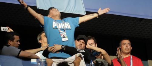 Nigeria-Argentina: dopo il malore in tribuna, Maradona ha esultato per la vittoria della sua nazionale.