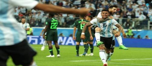 Rojo vibra com gol salvador diante da Nigéria