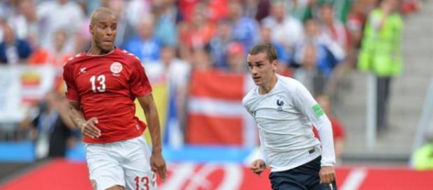 Francia asegura el primer puesto del grupo C al empatar con Dinamarca
