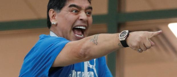 Maradona deu um show na vitória argentina