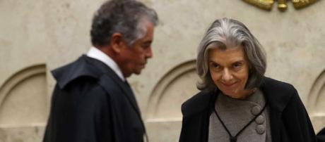 Ministro Marco Aurélio critica resistência de Cármen Lúcia