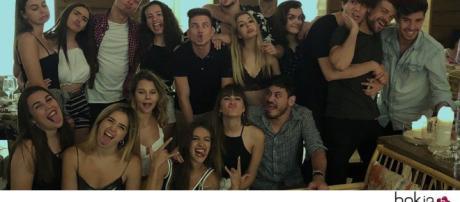 OT: Cepeda sorprende a Aitana en su cumpleanos 19, invitando a sus amigos de Barcelona