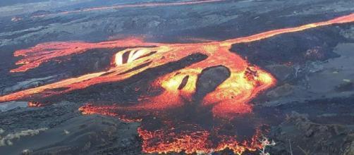 ISLAS GALÁPAGOS / El volcán Sierra Negra hace erupción y evacúan parte de las islas