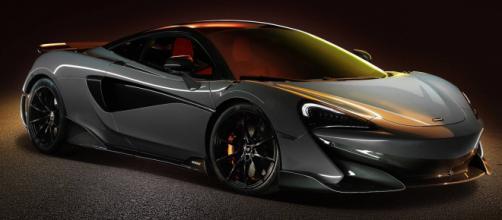 La nuova McLaren 600LT equipaggiata con un nuovo splitter anteriore (foto it.motor1.com)