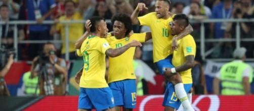 Le Brésil bat la Serbie et se qualifie pour les huitièmes de finale.