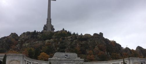 Podemos quiere que también retiren el cuerpo de Primo de Rivera del Valle de los Caídos