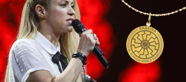 Fans schockiert: Trägt Shakira hier ein Nazi-Symbol? - tag24.de