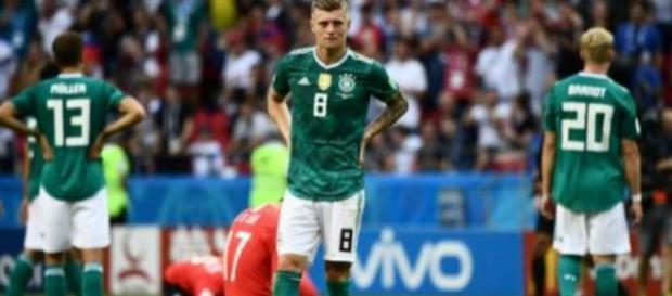 Toni kroos en prend pour son grade sur Twitter après l'élimination de l'Allemagne