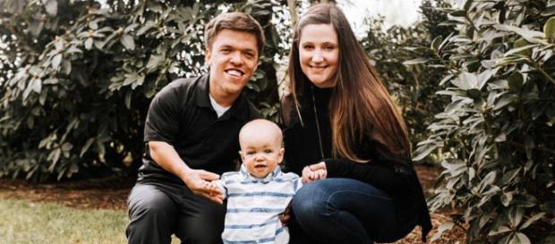 Zach and Tori Roloff with their only son, Jackson. [Image Credit: YouTube/CelebrityStatus ]