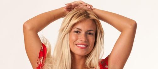 Carla Moreau (LMvsMonde2) fête ses 21 ans, découvrez les 21 choses ... - melty.fr
