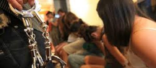 Policía desmantela red internacional de prostitución y tráfico de mujeres latinoamericanas