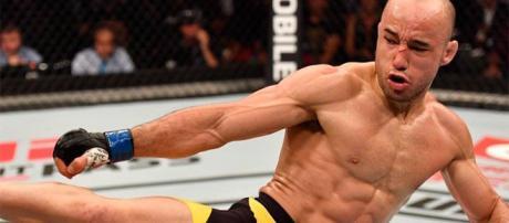 UFC Moraes vs Riveira mostra combate rápido e certeiro.