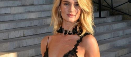 La modelo inglesa Rosie Huntington-Whiteley. - peru.com