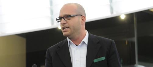 Lorenzo Fontana: 'Le famiglie arcobaleno non esistono'