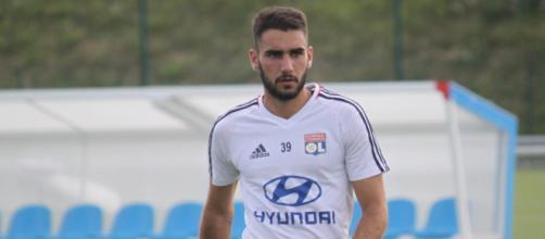 Romain Del Castillo, attaquant prêté à Nimes cette année, devrait retrouver le camp Lyonnais lors du mercato.