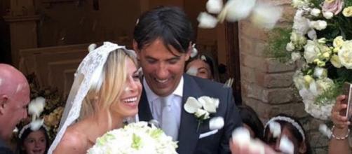 Simone Inzaghi e Gaia Lucariello all'uscita della Chiesa dell'Amorosa