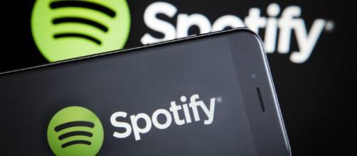 Spotify revisará las condiciones de su política de contenidos.