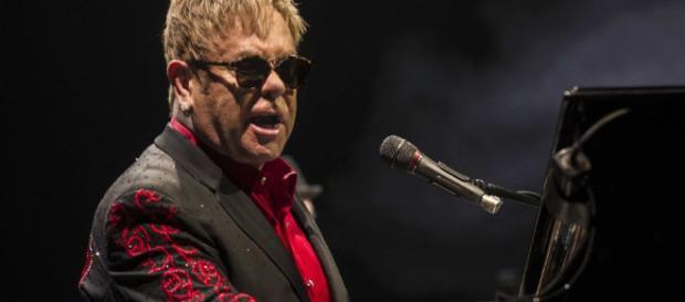 El aclamado cantante Elton John se presentará por última vez en España el 26 de junio