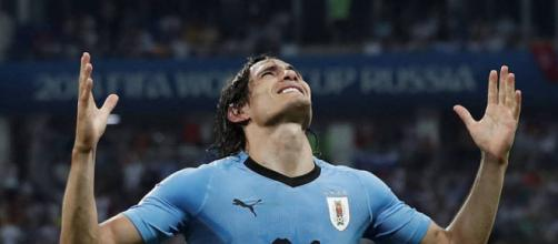 Cavani comemorando gol durante jogo da Copa do Mundo 2018