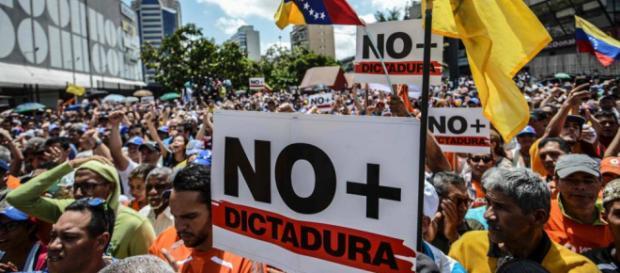 Perú es el principal lugar de fuga para Venezuela con más de 350 mil personas migrando