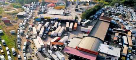Bloqueios nas estradas causaram prejuízos bilionários.
