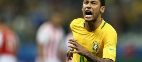Neymar está à frente de Messi.