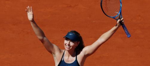Sharapova passe au 2e tour après une grosse frayeur pour son retour - beinsports.com