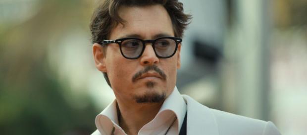 El actor Johnny Depp enfrenta crisis financiera. - snopes.com