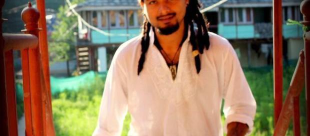Foto di Nilotpal Das, uno dei presunti rapitori, pubblicata sul suo profilo Facebook.