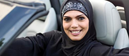 A Saudita | 10 donne prendono la patente - zazoom.it
