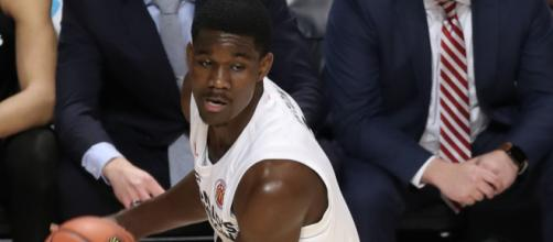 Arizona big man Deandre Ayton is projected to be the No. 1 pick by the Phoenix Suns at upcoming NBA draft. - [TonyTheTiger / Wikimedia Commons]