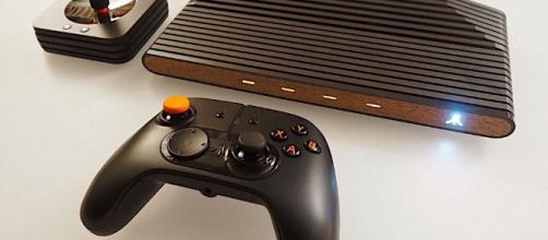 Consola presentada por Atari en su cuenta principal.