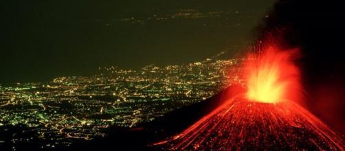 El volcán de Guatemala estalla violentamente