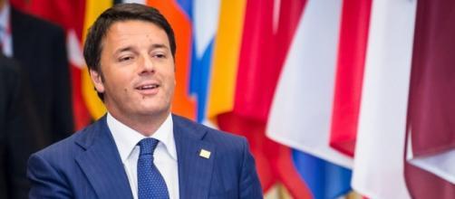 Matteo Renzi criticato per la scelta di partire in tour per il mondo a tenere conferenze a pagamento