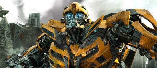 """""""Transformers 5: The Last Knight"""" no trajo el éxito esperado, Paramount ahora está estableciendo un nuevo curso con """"Bumblebee""""."""