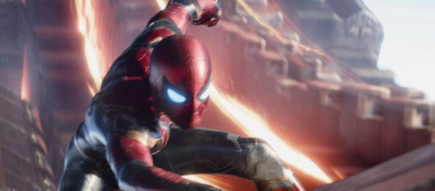 """Con un regreso terrestre la """"vida normal"""" en la secuela a Spider-Man: Homecoming, la cual se estrenará dos meses después."""